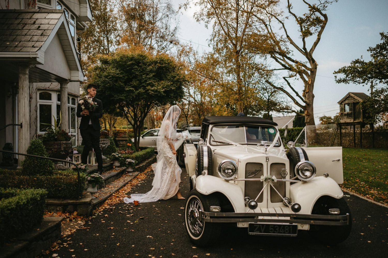 Beautiful & Stylish Gloster House Wedding 23